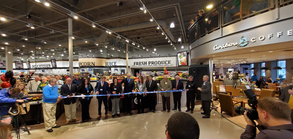 Hornbacher's Celebrates Grand Opening of First Store in West Fargo Image
